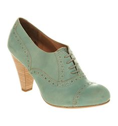 Beautiful mint heeled brogues! Give these to me!