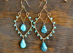 Valencia semipreciosas turquesa 14k Gold Fill pendientes. Bohemio araña nupcial Custom piedras preciosas mujeres Bright Boho dama de verano ...