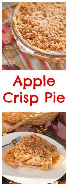 Half apple crisp, Half apple pie and completely delicious… Apple Desserts, Apple Recipes, Fall Recipes, Baking Recipes, Sweet Recipes, Holiday Recipes, Dessert Recipes, Yummy Treats, Delicious Desserts