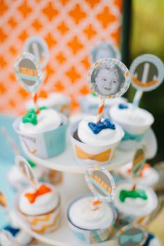Cupcakes w ties