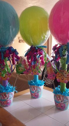 Shopkins /Party on a budget  balloon stands