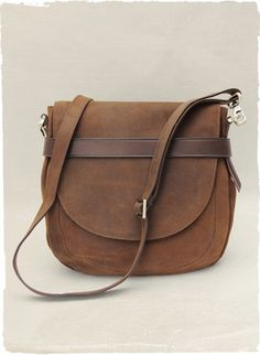 La Pampa Leather Saddle Bag - This bag would be great for men or women. With Ipads, Kindles and Nooks more men are needing bags.