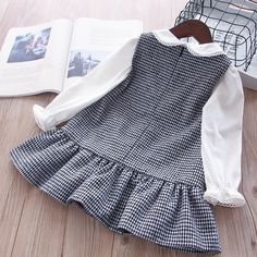New Year costumes for girls Plaid winter dress kids dresses for . - Eosao - - New Year costumes for girls Plaid winter dress kids dresses for . Mom And Baby Dresses, Little Girl Dresses, Girls Dresses, Infant Dresses, Bow Dresses, Little Girl Fashion, Kids Fashion, Party Kleidung, Kids Dress Patterns