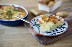 Pour varier du traditionnel gratin dauphinois, je vous propose de tester une recette ultra réconfortante : Le gratin de pomme de terre au reblochon.