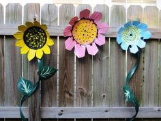 Whimsical Yard Art from recycled plastic pots - JUNKMARKET Style