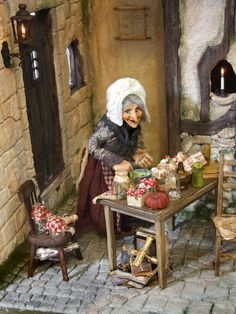 Silke´s Miniatures: wonderful witch doll in her kitchen Haunted Dollhouse, Haunted Dolls, Dollhouse Dolls, Miniature Dolls, Dollhouse Miniatures, Halloween Miniatures, Halloween Doll, Halloween Crafts, Witch Cottage