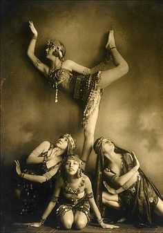 Russian dancers, by Savitch Demeter, c.1925