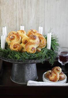 St. Lucia Buns (Swedish Saffron Christmas Bread)