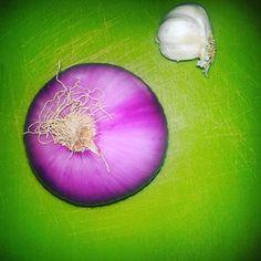 La bellezza è davanti ai tuoi occhi... Guarda e basta! #beautifulfood #instafood #rdd_food #instacook #instacool #purple#pantone #green #photography #instagramers #foodrepublic #foodblogfeed #foodie #foodblog #gusciduovo #gusciduovo_pensiero #foodnetwork #foodpost #food_idea #food_globy #ig_food #italianfood #colori #coloriincucina #cucinacreativa