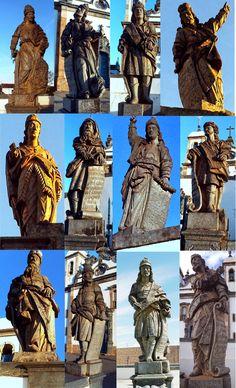 Os 12 Profetas em pedra sabão, obra de Aleijadinho em Congonhas, Minas Gerais.