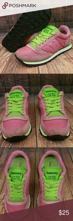SAUCONY Jazz Low Pro Pink/Green Shoes Wo's 5 Good Pre-owned Conditions. Present some wear and stains around the body please see pics for better details and descriptions. Saucony Shoes Sneakers