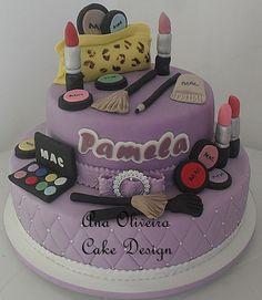 Ana Oliveira Cake Design: Bolo Maquiagem MAC