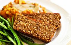 Many vegan versions of meatloaf are made with tofu, veggie ground round, tvp, or even seitan. Those tofu-averse will be happy to know there is no tofu or veggie meats in this loaf. This savory vers… Vegan Meatloaf, Meatloaf Recipes, Meatless Meatloaf, Tempeh, Tofu, Seitan, Whole Food Recipes, Vegan Recipes, Lentil Recipes