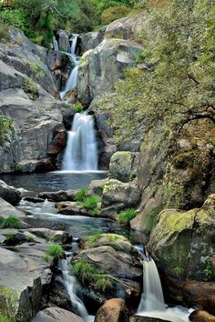 A Fervénza (Ourense) with anna Beautiful Waterfalls, Beautiful Landscapes, Travel Around The World, Around The Worlds, Mountain Waterfall, Adventure Is Out There, Spain Travel, Terra, Amazing Nature