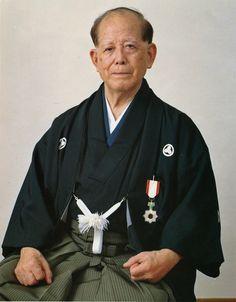 Shoshin Nagamine Hanshi  Matsubayashi Ryu Shorin Ryu - True Master.