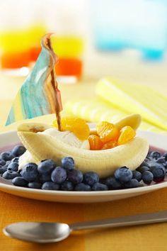 Blueberry Banana Boats  Fun snack idea!  www.fruitsandveggiesmorematters.org