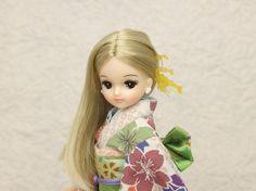 """リカちゃん振袖、ブライス振袖 She is Licca friend """"Kira""""."""