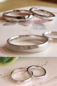 ラインに沿って、鏡面仕上げとつや消しのヘアライン仕上げでコントラストをつけた結婚指輪。  [マリッジリング,marriage,wedding,bridal,ring,Pt900,プラチナ,オーダーメイド ]