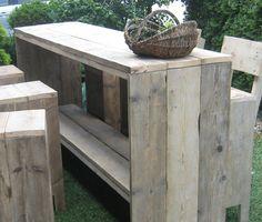Product ID: Bar-tafel van Steigerhout Haaksbergen Outside Furniture, Backyard Furniture, Pallet Furniture, Pallet Barn, Barn Wood, Pallet Crafts, Pallet Ideas, Outdoor Curtains, Garden Table