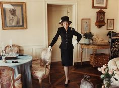How To Dress Like A Lady Brooke Astor In Her New York Apartment Photo Annie Leibovitz