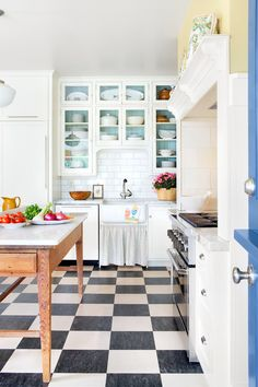 Glass Front Cabinets: Popular Choices - Town & Country Living