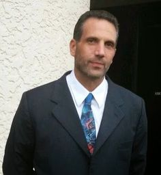 DOMINICK CICALE, A FORMER CAPO IN THE BONANNO CRIME FAMILY, WILL ANSWER YOUR QUESTIONS.