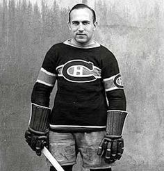 The first National Hockey League game in New York was played ninety years ago. It changed the league, immediately and forever. Montreal Canadiens, Mtl Canadiens, Hockey Pictures, Sports Pictures, Pro Hockey, Hockey Teams, History Of Hockey, Hockey World, Nhl Games