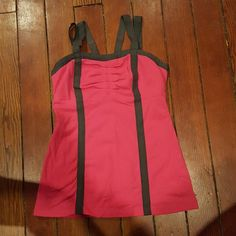 Lulu lemon exercise tank I love the straps on this tank! It's in great shape. It's just a little too small for me. lululemon athletica Tops Tank Tops