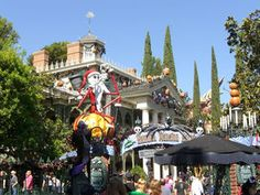 Nightmare Before Christmas Haunted Mansion at Disneyland! Someday!!!