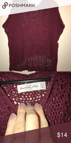 Slouchy sweater top Abercrombie brand slouchy sweater top. Short sleeves so versatile for the seasons. Can we work with a long sleeve in cooler weather or without in the summer. Very boho & chic. Size XS/S but fits largely. Lots of wiggle room. No stains or picks. Good condition ! Like new Abercrombie & Fitch Sweaters Shrugs & Ponchos