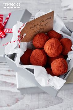 Completely dairy-free, these vegan chocolate truffles are just as rich and indulgent as any other chocolate treat. With a delicious chocolate orange flavour, these luxurious homemade truffles are easy to make and make a gorgeous edible gift. | Tesco #vegan #truffles #christmas