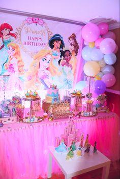Disney Princess Decorations, Princess Birthday Party Decorations, Disney Princess Birthday Party, Girls Party Decorations, 4th Birthday Parties, Baby Party, Disney Princess Birthday, Prince Party, Ideas Aniversario