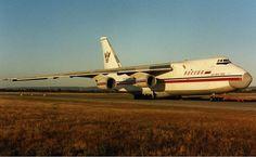 640px-Rossiya_Antonov_An-124-100_PER_Wheatley-1