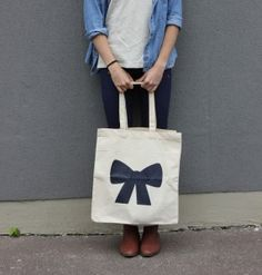 lacamille — s a c * l a c a m i l l e (marine) Jute Bags, Daily Fashion, Couture, Pattern Design, Reusable Tote Bags, Bows, Embroidery, Sewing, Fabric