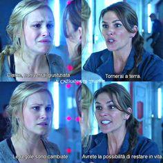 Clarke: <Mamma? Mamma, che succede? Di che si tratta? Ci uccidono tutti, vero? Riducono la popolazione, per dare più tempo a voi?> Abigail: <Clarke, non verrai giustiziata. Tornerai a terra. Andrete tutti e cento.> Clarke: <Cosa? No, ma non è sicuro. No, a 18 anni c'è la revisione della condanna...> Abigail: <Le regole sono cambiate. Avrete la possibilità di restare in vita.> 1x01 | The 100 #the100 #clarkegriffin #cw
