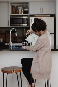 long cardigan - tea - updo
