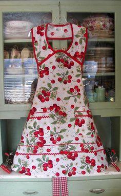 Retro 1940 kitchen apron