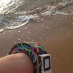 Use your O2 Anywhere at the beach, looking stylish!