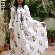 Long dress for young ladei Cute Dresses, Casual Dresses, Fashion Dresses, Fashion Styles, Kurta Designs Women, Blouse Designs, Cotton Frocks, Kurti Sleeves Design, Frock For Women