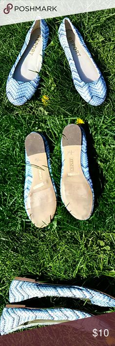 Report Flats size 7 1/2 Flat blue and gray Chevron design in excellent condition cuz they're brand new without the tags Report Collection Shoes Flats & Loafers
