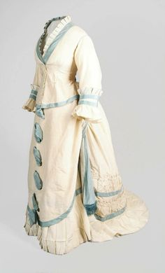 Day dress ca. 1870 Form the Aberdeen Art Gallery... - Fripperies and Fobs