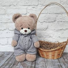 Amigurumi Soft Bear Free Pattern Source by sevilp Have you been looking for crochet doll blanket free pattern - Salvabrani Not converted completely to English. To crochet the little monkeys, you will need: - Salvabrani All About Knitting A free master cla Crochet Teddy, Crochet Bunny, Crochet Patterns Amigurumi, Cute Crochet, Amigurumi Doll, Crochet Animal Patterns, Crochet Doll Pattern, Stuffed Animal Patterns, Crochet Dolls