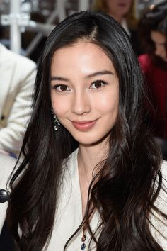 Angela Baby Photos Photos - Angelababy attends the Christian Dior show as part of Paris Fashion Week Haute Couture Spring/Summer 2015 on January 2015 in Paris, France. - Front Row at Christian Dior Angelababy, Asian Makeup, Korean Makeup, Asian Celebrities, Chinese Actress, Flawless Skin, Beautiful Asian Women, Woman Face, Pretty Face