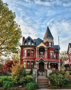 Architectural Styles: Victorian home that has turrets anddd narrow and tall usually. It also is a multi story house that looks very unique Victorian, Kansas City, Missouri photo via dana Victorian Architecture, Beautiful Architecture, Beautiful Buildings, Beautiful Homes, Architecture Design, Building Architecture, Kansas City, Victorian Style Homes, Victorian Homes Exterior