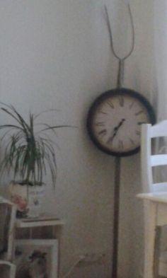 Heinähanko ja kello