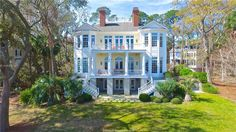 Dream home alert: Play and relax on the lush lawn, or walk down the boardwalk to the serene beaches of Haig Point.    15FrontLightWalk.com for details, video & to inquire.  #15frontlight #haigpoint #daufuskie #island #home #dreamhome #lawn #lalasquicquero