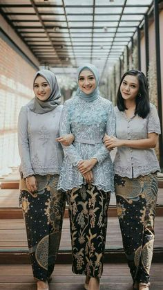 Ideas For Dress Hijab Formal Modern Abaya Kebaya Modern Hijab, Model Kebaya Modern, Kebaya Hijab, Kebaya Muslim, Modern Abaya, Kebaya Lace, Batik Kebaya, Kebaya Dress, Batik Dress