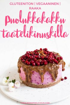 Puolukkaraakakakku ja taatelikinuski - The Queen of Delicious Christmas Baking, Tiramisu, Food To Make, Cheesecake, Gluten Free, Favorite Recipes, Sweet, Ethnic Recipes, Desserts