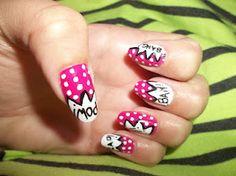 Too Cute!  http://www.gabrielaspage.blogspot.com/2012/04/nail-designs.html