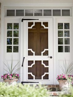 """Looove this screen door! A screen door """"Chinese Chippendale"""" motif. Paint the brown door a different color! Exterior Design, Interior And Exterior, Exterior Paint, Brown Doors, Entrance Doors, Windows And Doors, Architecture Details, Curb Appeal, Beautiful Homes"""